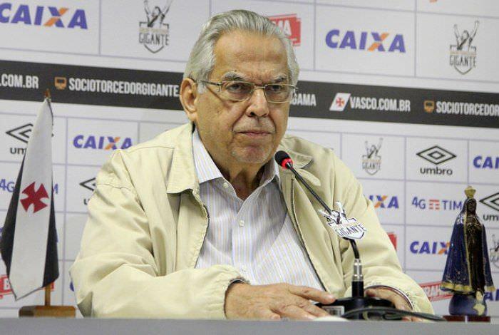 Eurico Miranda proíbe entrada de emissora em São Januário e revolta apresentador