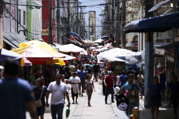 Desemprego no Brasil atinge 14,1 milhões de pessoas no 3º trimestre