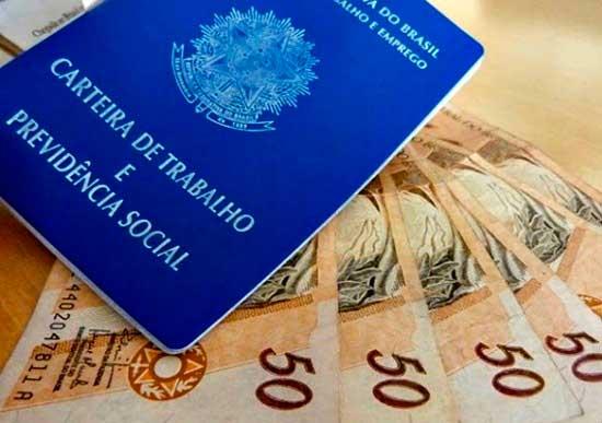 Governo estuda limitar saques do FGTS a R$ 500 neste ano