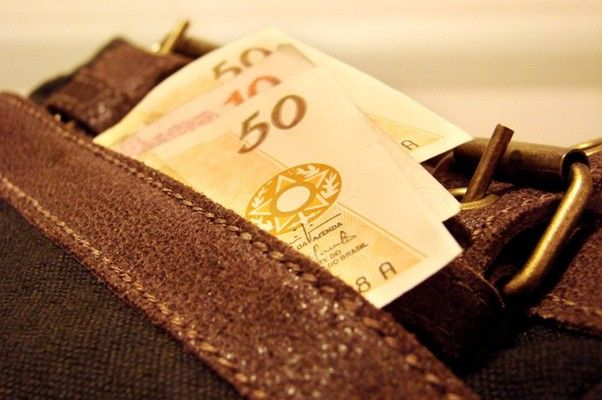 70% dos acordos não repõem inflação, e salários encolhem