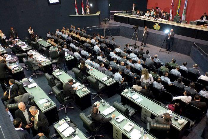 Parlamentar quer construção de muro de arrimo nos municípios
