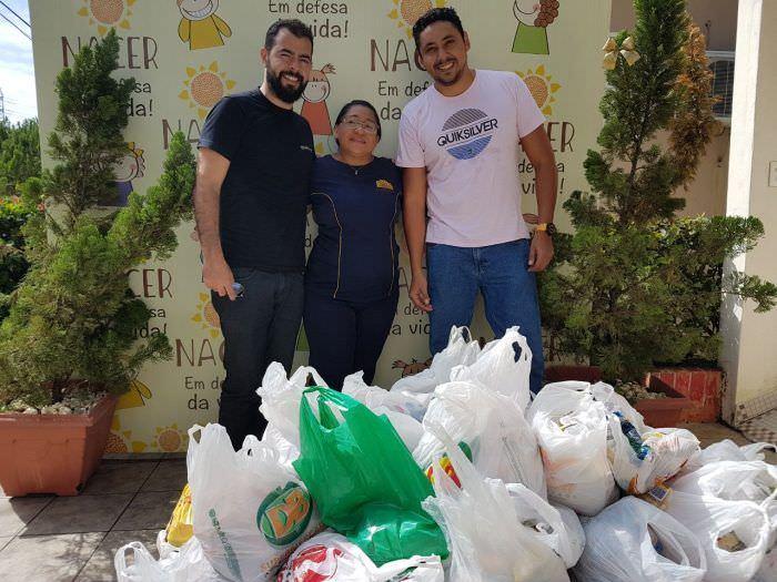 Escola Manaós Tech for Kids entrega mais de meia tonelada de alimentos ao abrigo Nacer