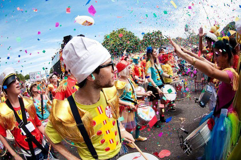 Confira as bandas e blocos que prometem agitar Manaus neste domingo