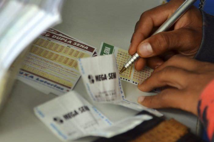 Mega-Sena acumula e prêmio pode chegar a R$ 52 milhões