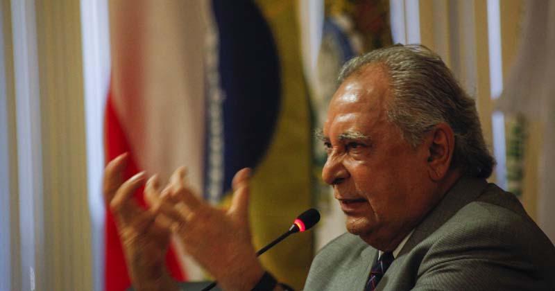 Governador do Amazonas vê insatisfação crescer