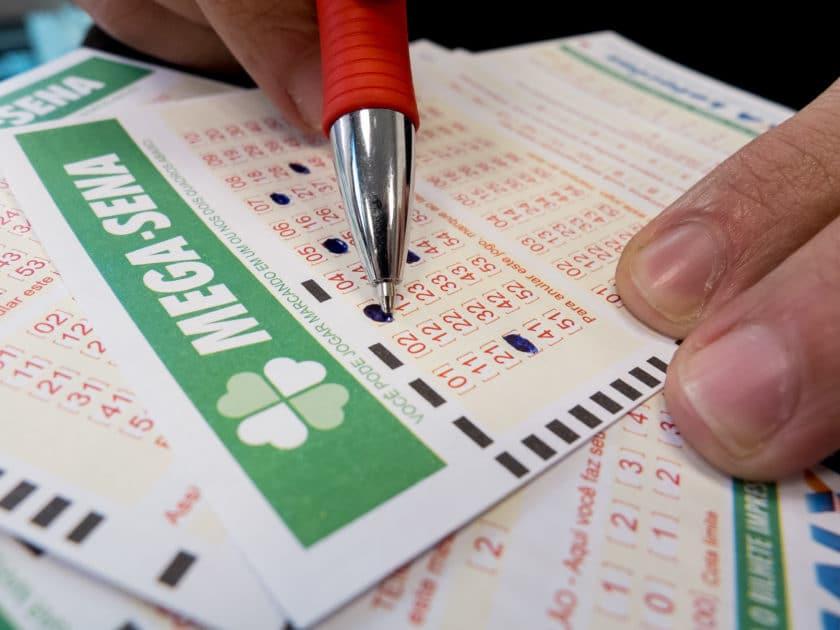 Mega-Sena: veja os números sorteados hoje; prêmio é de R$ 21,8 milhões