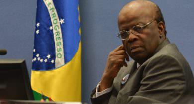 'Não consegui ainda convencer a mim mesmo de que devo ser candidato', diz Barbosa