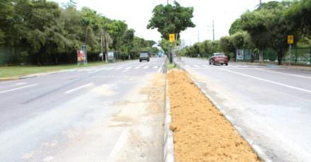 Retornos na avenida Coronel Teixeira são fechados pela prefeitura