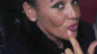 Mulher é morta a tiros na frente da filha de 11 anos