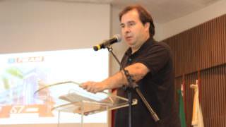 Rodrigo Maia diz que Omar e Arthur vão definir alianças ao governo do AM