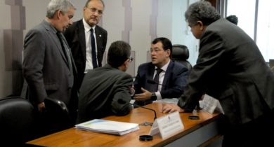 Senado instala comissão para avaliar a migração de empresas brasileiras