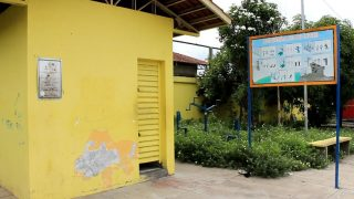 Moradores pedem reforma de praças de Manaus
