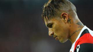 Flamengo suspende contrato de Guerrero, e relação caminha para o fim