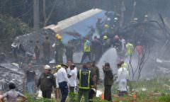 Avião com 113 pessoas a bordo cai logo após decolagem, em Cuba