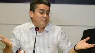 MP faz busca e apreensão nas casas de ex-diretores de David Almeida