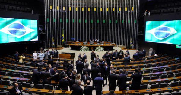 Câmara pode votar 'Médicos pelo Brasil' e 'Revalida'