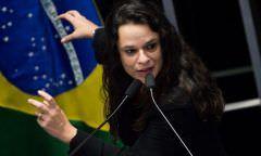 Deputada do PSL quer acabar com festas open bar em faculdades
