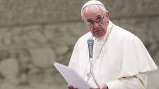 Papa diz que pessoas que rejeitam homossexuais 'não têm coração'