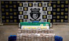Polícia prende cinco homens por tráfico de drogas, em Manaus