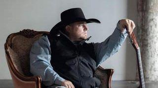 Cantor Justin Carter morre por disparo acidental durante gravação de clipe