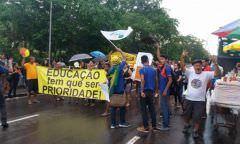 Greve da educação completa uma semana e terá manifestação na Ponte Rio Negro