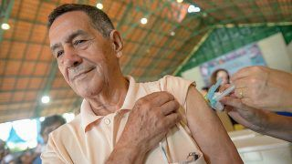 Primeiro dia de vacinação contra H1N1 superou 159% do público previsto
