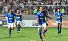 Com pênalti polêmico, Cruzeiro é bicampeão do Campeonato Mineiro