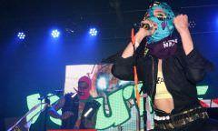 'Fora, Bolsonaro' e 'Fora, Putin' marcam show do Pussy Riot no Brasil