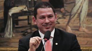 Em entrevista, Presidente de comissão da Previdência alfineta PSL