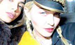 Anitta revela que ensinou português para Madonna