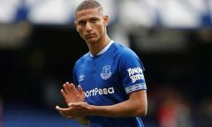 No radar de Tite, Richarlison anota golaço, mas sai de campo machucado