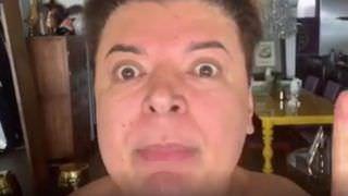 David Brazil se revolta ao ter seu carro de luxo riscado: 'Racista'