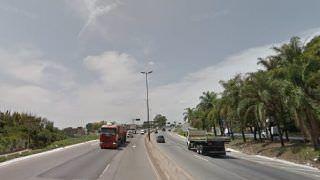 Ladrão se joga de ônibus após reação de passageiro e sofre traumatismo craniano