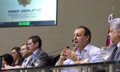 Senador Omar Aziz leva debate sobre Reforma da Previdência à ALE/AM
