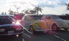 Evento realiza exposição de carros e motos antigas em Manaus