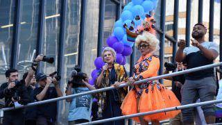 Parada do Orgulho LGBT tem forte tom político contra governo Bolsonaro
