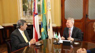 Prefeito recebe embaixador palestino, Ibrahim Alzeben, em Manaus