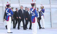 Teve mensagem de WhatsApp a favor e contra, diz Bolsonaro