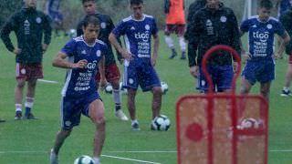 Adversário do Brasil, Paraguai tem treino descontraído após classificação