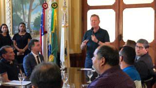 'Eles são inimigos do povo', diz Arthur sobre empresários do transporte coletivo