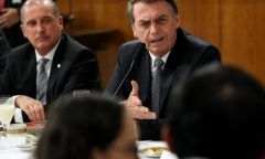 Bolsonaro rebate críticas de general da reserva e o chama de 'melancia'