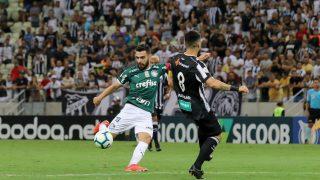 Voo do Palmeiras à Argentina sofre com ventos, e time passa mal