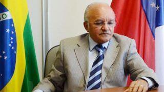 Justiça revoga aposentadoria especial de R$ 34 mil de José Melo
