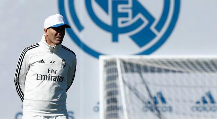 Zidane volta a comandar treinos após ausência por morte de irmão