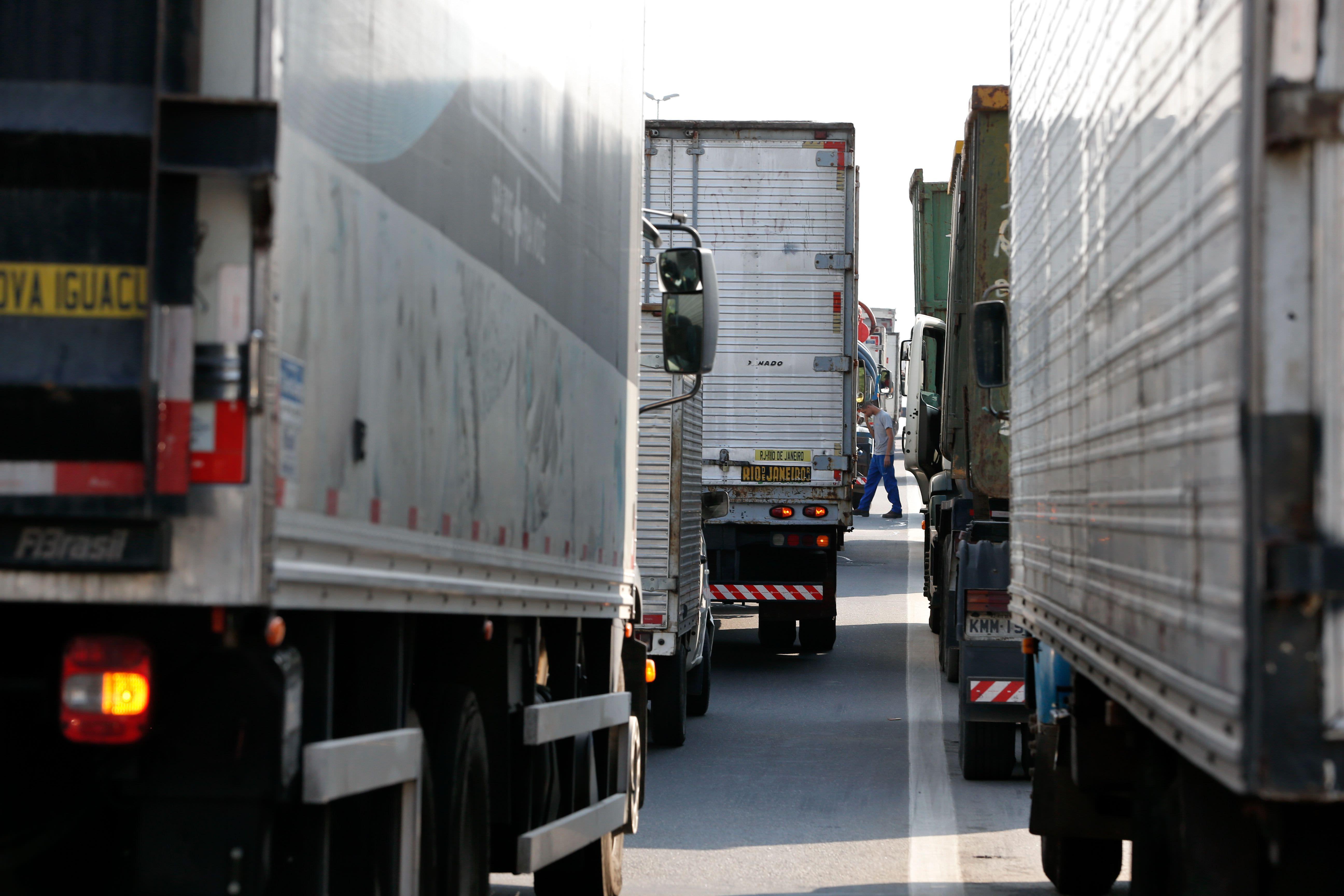 Motorista flagrado sem o exame toxicológico em dia será multado em R$ 1,4 mil