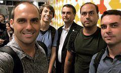 Veja os 13 parentes de Bolsonaro nomeados nos gabinetes da família