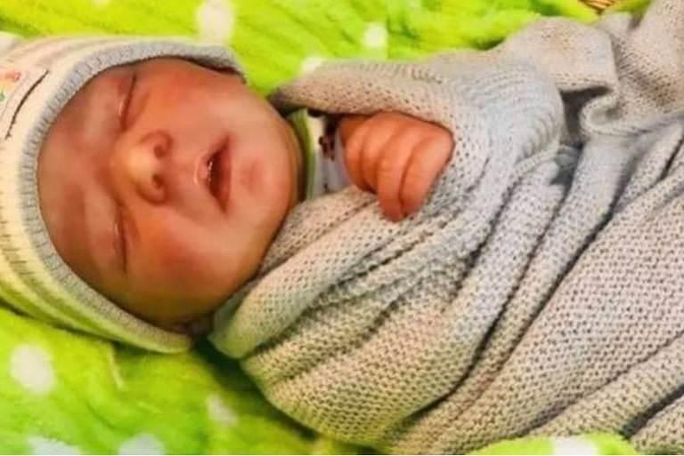 Casal finge morte de bebê com boneca Reborn para arrecadar dinheiro