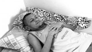 Ex-morador de rua tem vida restaurada e procura por família
