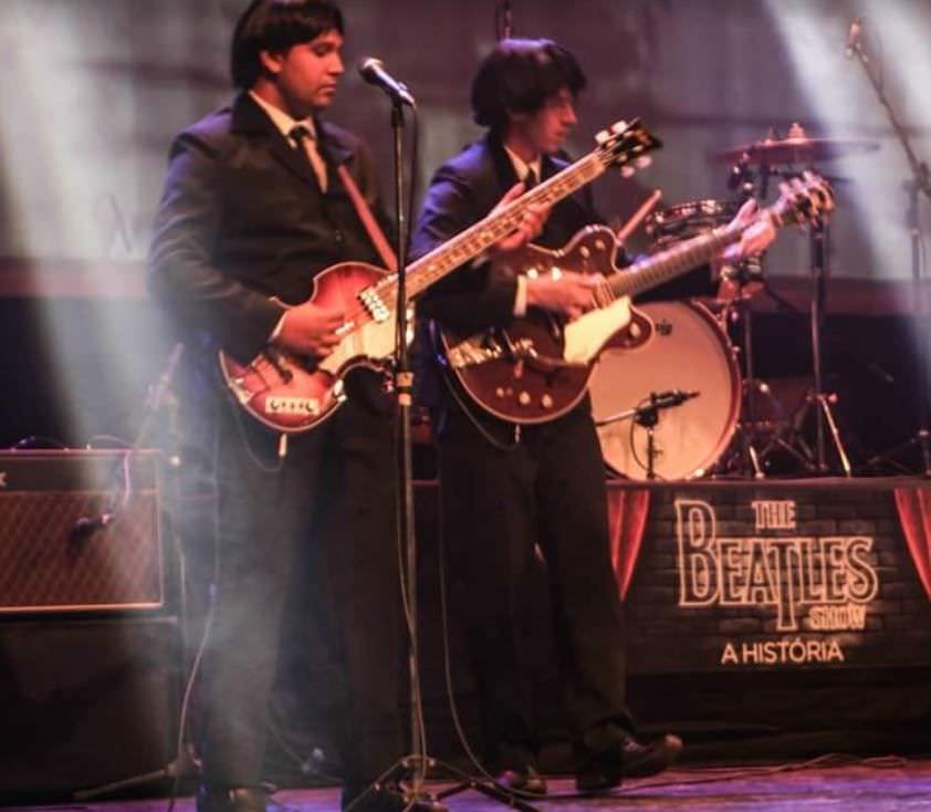 Show em homenagem aos Beatles apresenta clássicas em shopping
