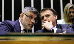 Sei nem quem é', diz Bolsonaro após Frota ser expulso do PSL